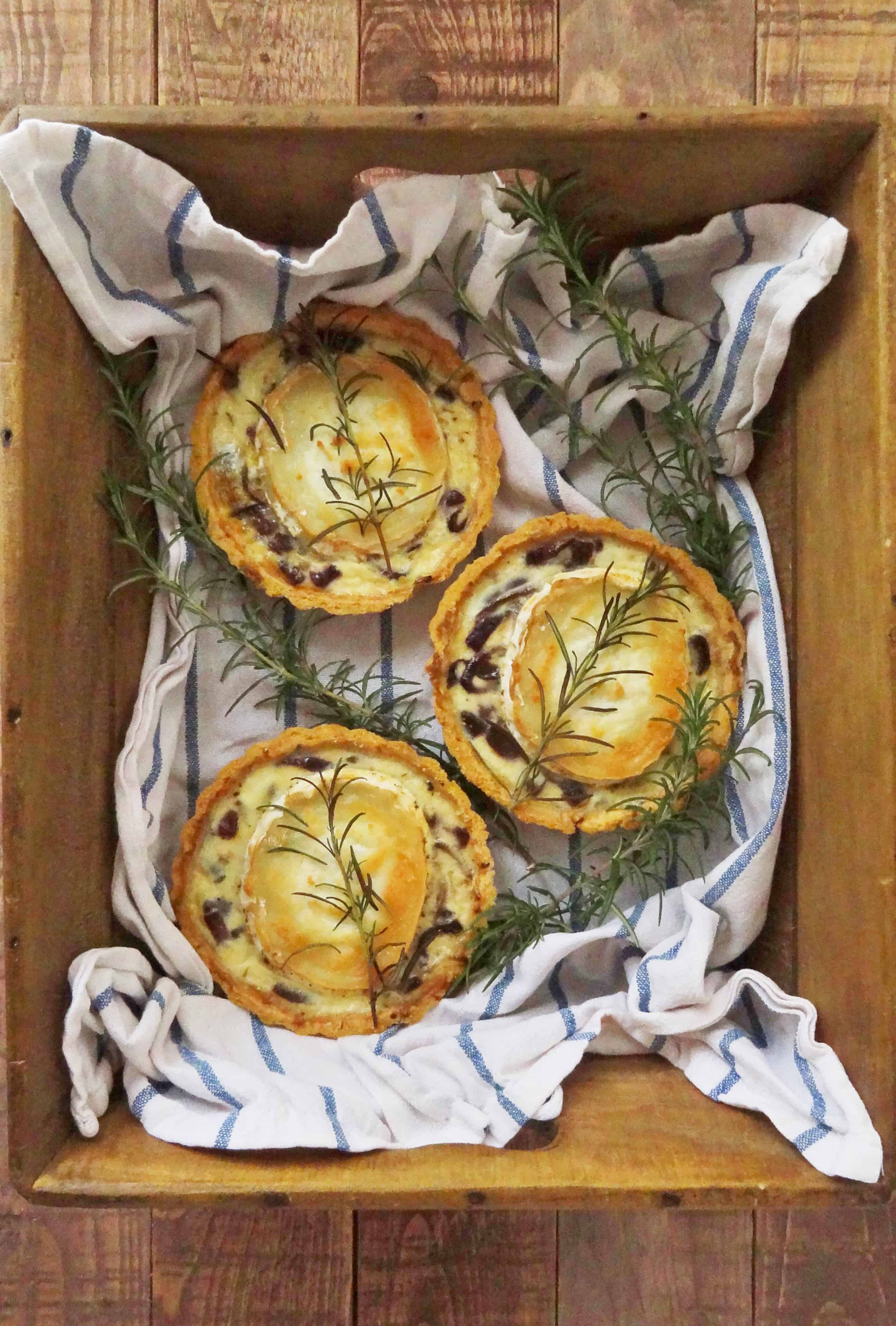 Caramelised Red Onion & Goats Cheese Tarts - Domestic Gothess