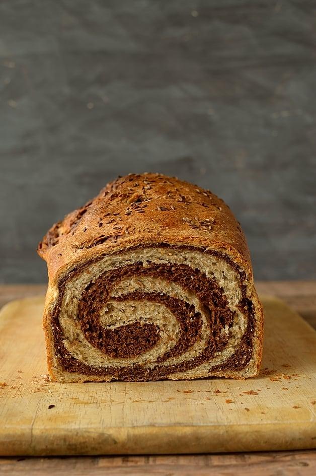 Swirly marbled rye bread - Domestic Gothess