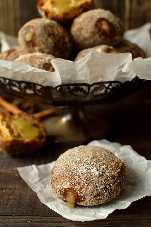 Gingerbread spiced apple yeast doughnuts - Domestic Gothess