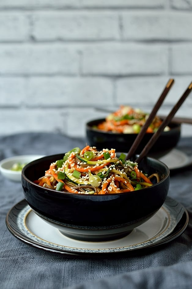 Colourful spiralzed vegetable noodle bowls with creamy peanut sauce - healthy, nutritious and super delicious