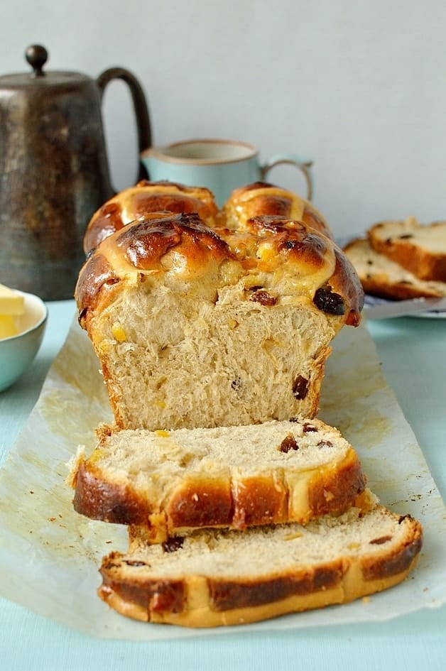Hokkaido milk bread hot cross bun loaf (tangzhong method), the perfect treat for Easter - Domestic Gothess