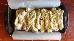 cheesy garlic pull-apart bread process
