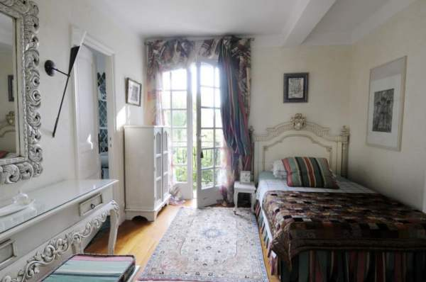 bedroom-single-french-country-interiors