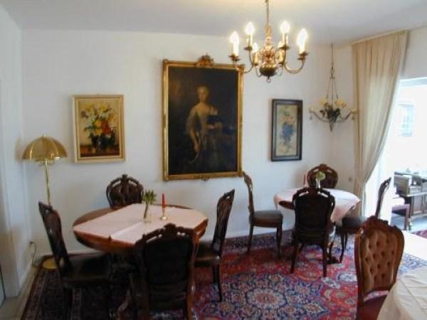 classical dusseldorf style room