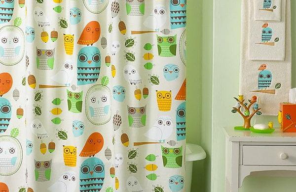 Playful-owl-themed-shower-curtain