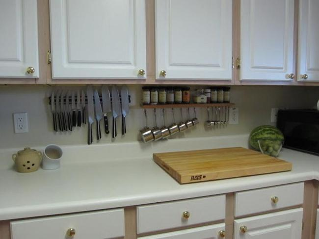 Creative-Kitchen-Storage-Solutions-for-Small-Spaces