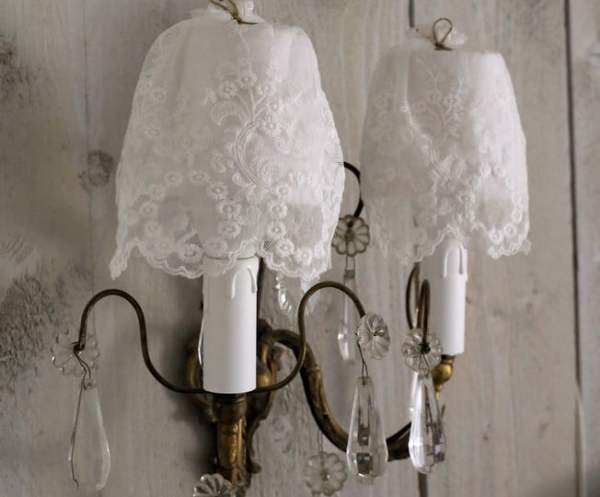 Good-Looking-Shabby-Chic-Furniture-fashion-Other-Metro-Eclectic-Bedroom-Decorating-ideas-with-bndicte-hanot-bottine-1900-bottine-ancienne-buste-ancien-couture-corset-ancien-decoration-interieur