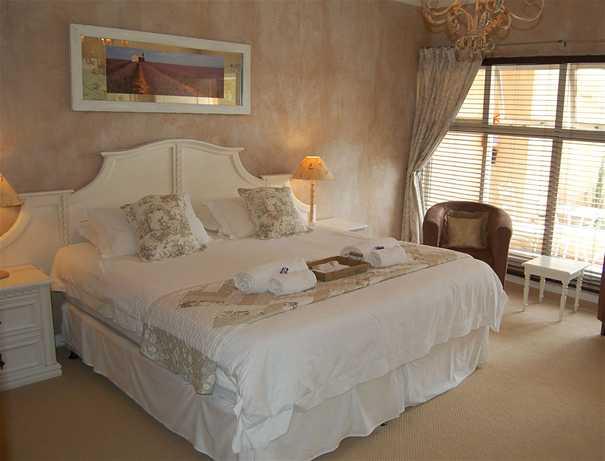 petite-provence-bedroom-2