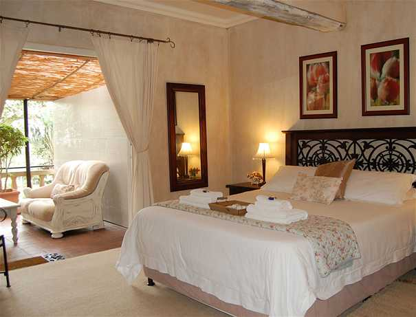 petite-provence-bedroom-4