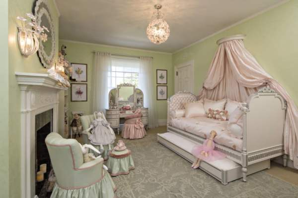 princess-bed-for-adults-princess-bedrooms-that-rule---wsj-bed-picture