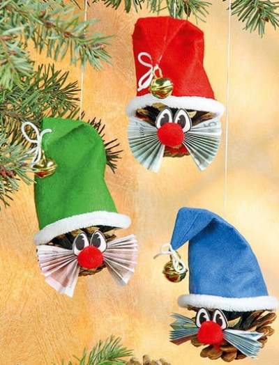 Christmas-crafts-from-pinecones2