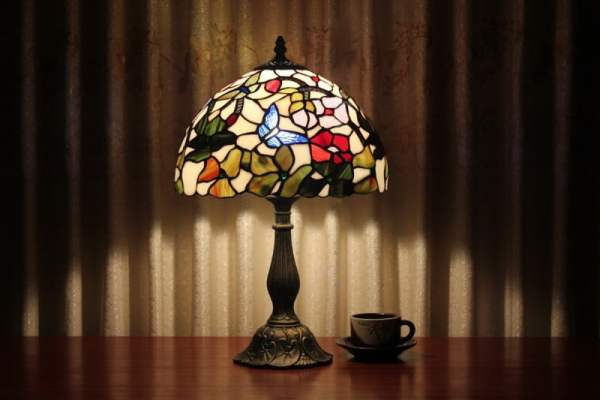 tiffany-style-stained-glass-table-lamps-traditional-tiffany-style-stained-glass-home-table-lamp-pic
