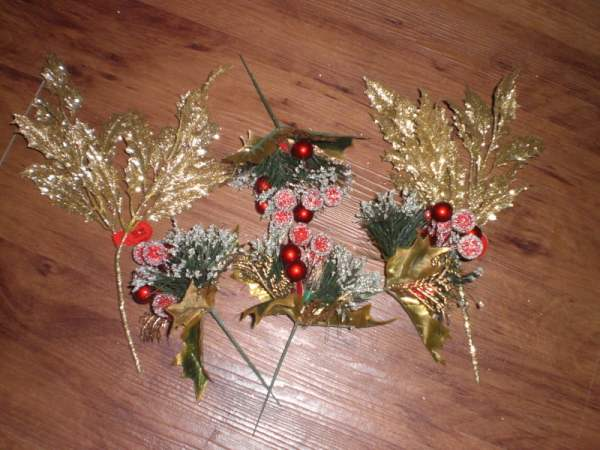 christmas-decorations-for-wreath