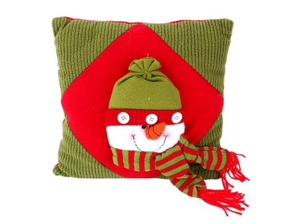 christmas-snowman-throw-pillow-j03916