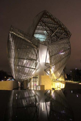 Foundation Louis Vuitton by Christine und Hagen Graf via Flickr