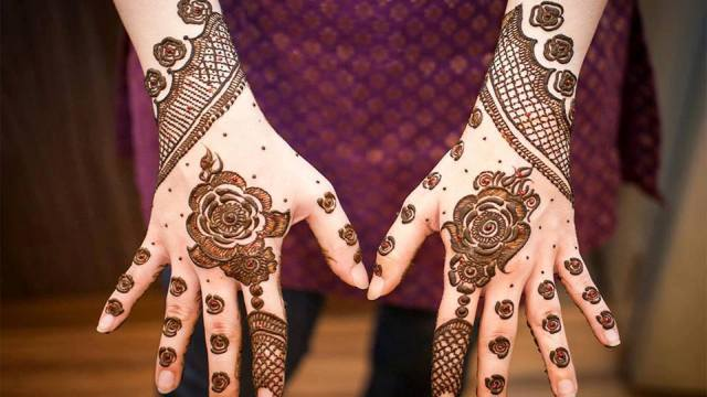 New Floral Mehndi Designs for Hands and Feet 2016