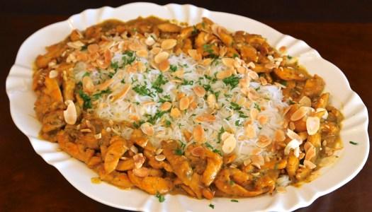 Frango ao curry com bifun