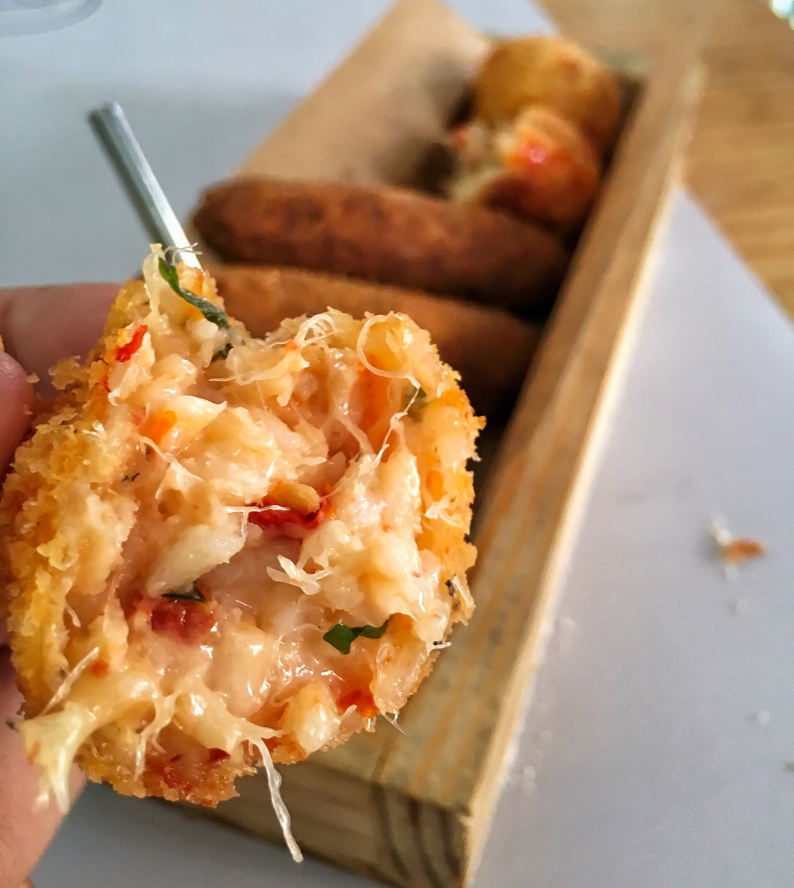 bolinho de arroz com bacalhau