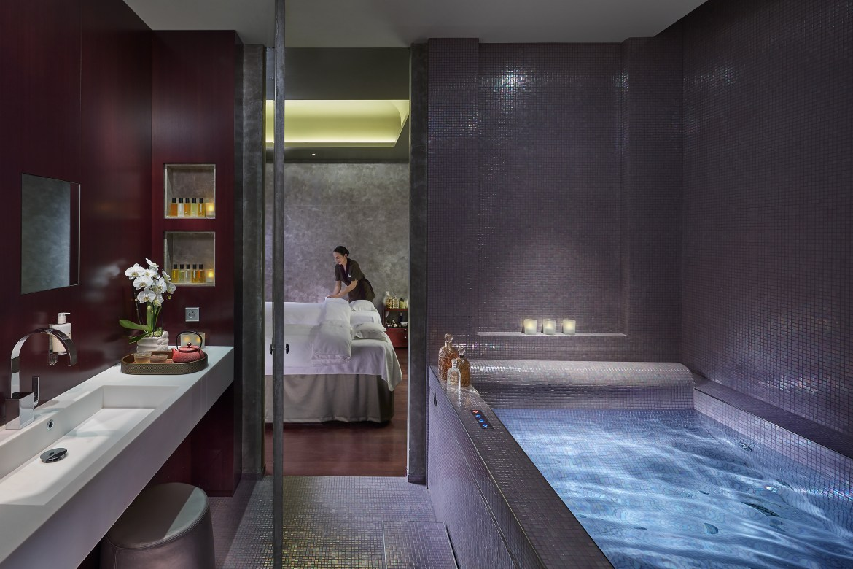paris-2016-luxury-spa-suite-02