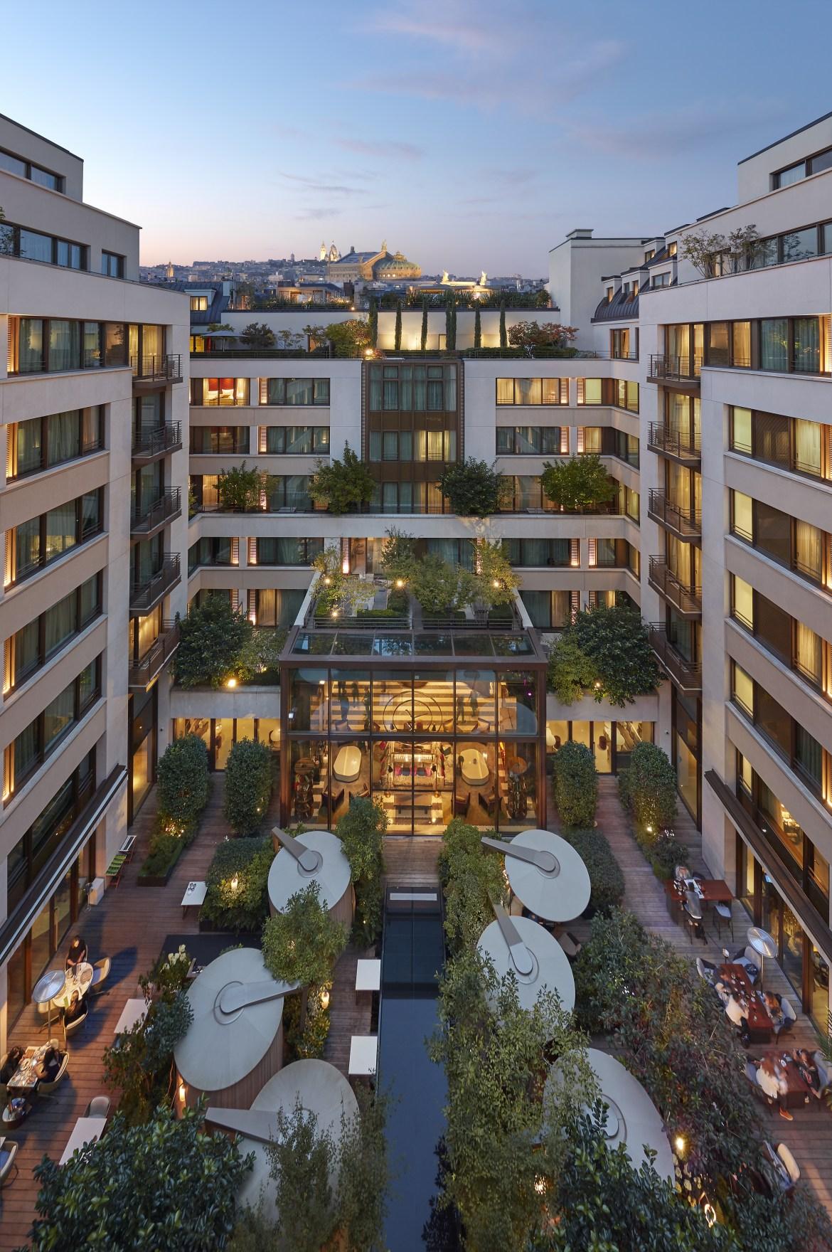 paris-2017-exterior-courtyard