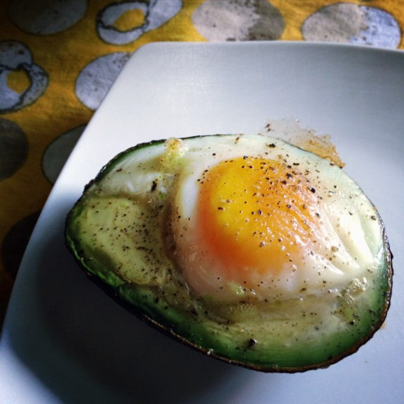 Avocadoegg_doublechindiary_lowcarb