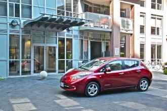 2012 Nissan Leaf front 1/4