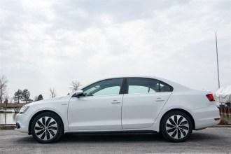 2014 Volkswagen Jetta Hybrid side profile