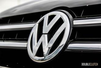 2014 Volkswagen Touareg TDI hood emblem