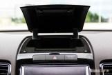 2014 Volkswagen Touareg TDI console storage