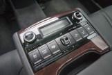 2015 Kia K900 V8 Elite rear seat controls