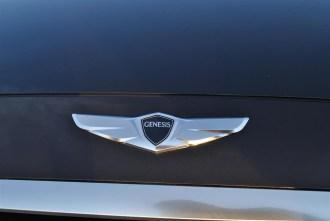 2015 Hyundai Genesis 3.8 hood emblem