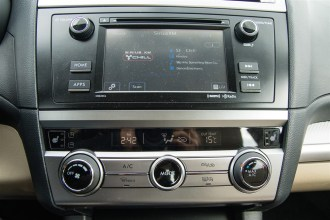 2015 Subaru Legacy 2.5i centre stack