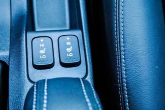 2015 Honda Fit EX-L Navi seat heater buttons