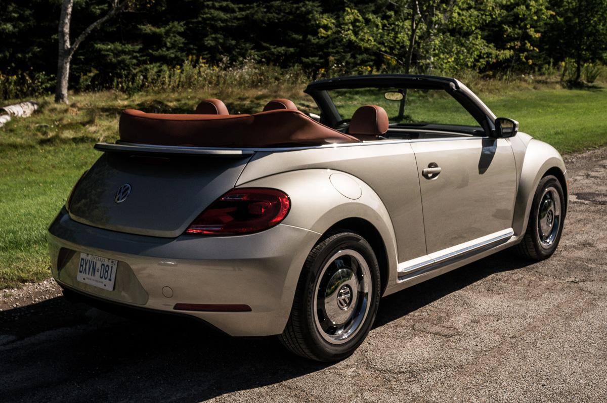 2016 volkswagen beetle classic conv. Black Bedroom Furniture Sets. Home Design Ideas