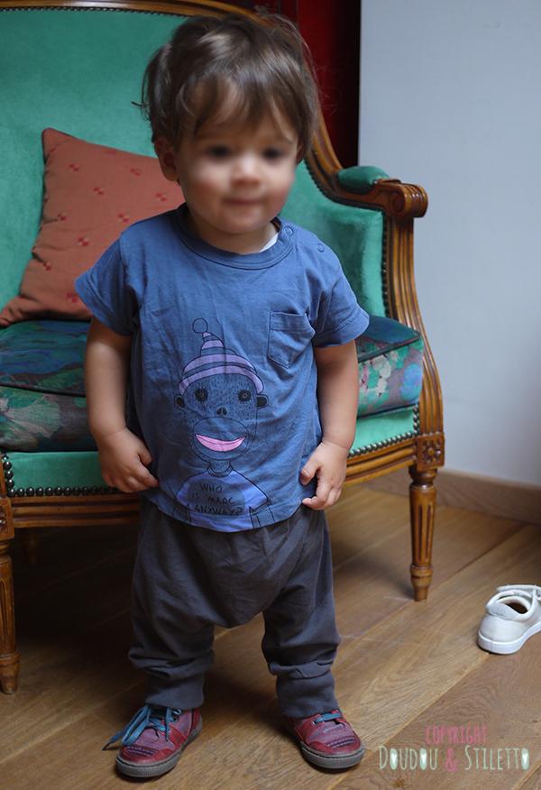 Sarouel Catimini, t-shirt Little Marc Jacobs, baskets Bana