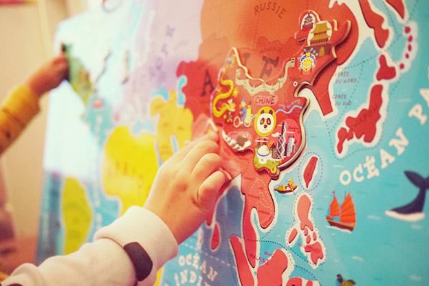 Puzzle magnétique monde janod