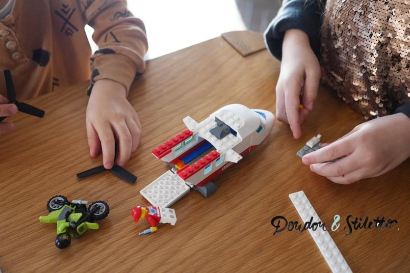 Avion de secours Lego