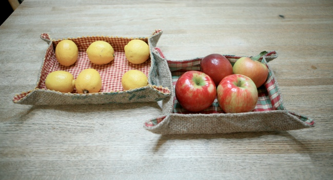 Lemons and apples
