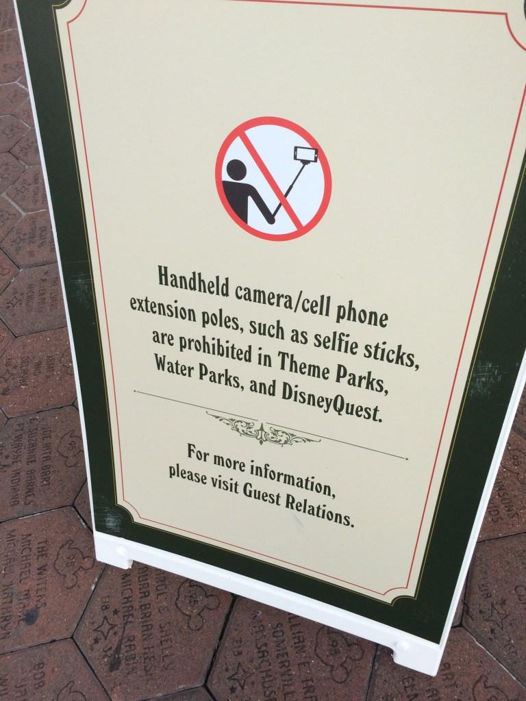 selfie-placard