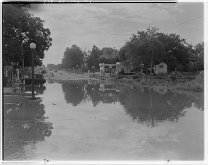 Waller Creek flooding Cesar Chavez (Water St) @ Red River in 1935