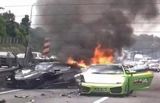 3-lamborghinis-burn-in-million-dollar-wreck