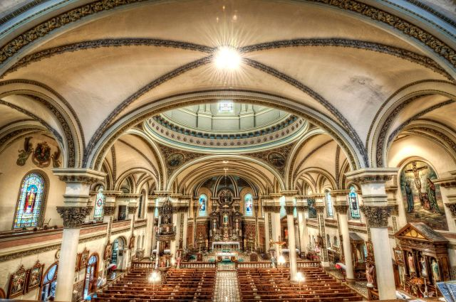 inside-immaculate-heart-of-mary-church