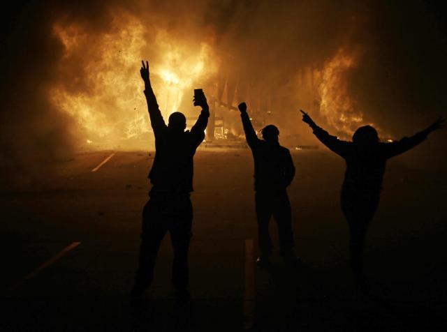 Ferguson Rioting 2