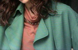 襟周りはこんなデザインなの
