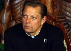 <a href=http://hotair.com/archives/2016/09/03/chicago-priest-our-city-is-in-a-state-of-emergency/ target=_blank >Chicago priest: Our city is in a state of emergency</a>
