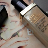 Review : Estee Lauder Perfectionist Foundation
