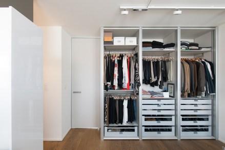 open dressing kasten met modulaire inrichting