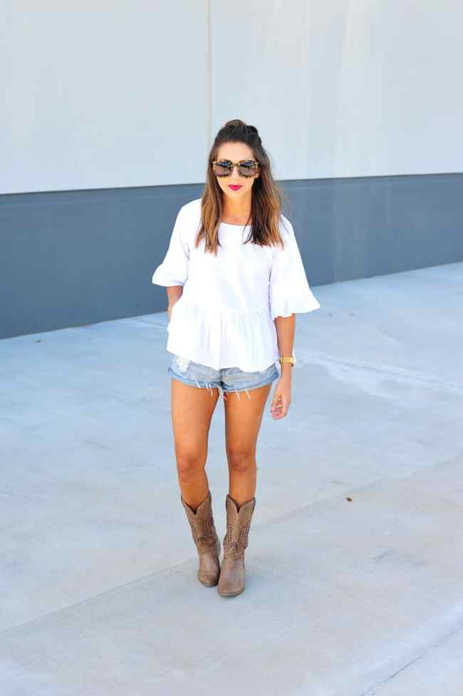 Dress Up Buttercup // A Houston-based fashion travel blog developed to daily inspire your own personal style by Dede Raad | What to wear to a tailgate