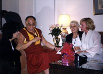Dr. Gross, his holiness the Dalai Lama, Dr. Gross' mother Aida and Sharon Bush