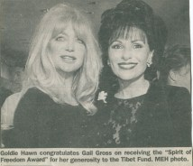 Goldie Hawn, Dr. Gross receiving the Spirit of Freedom Award